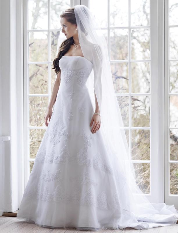 Lilly esküvői ruha