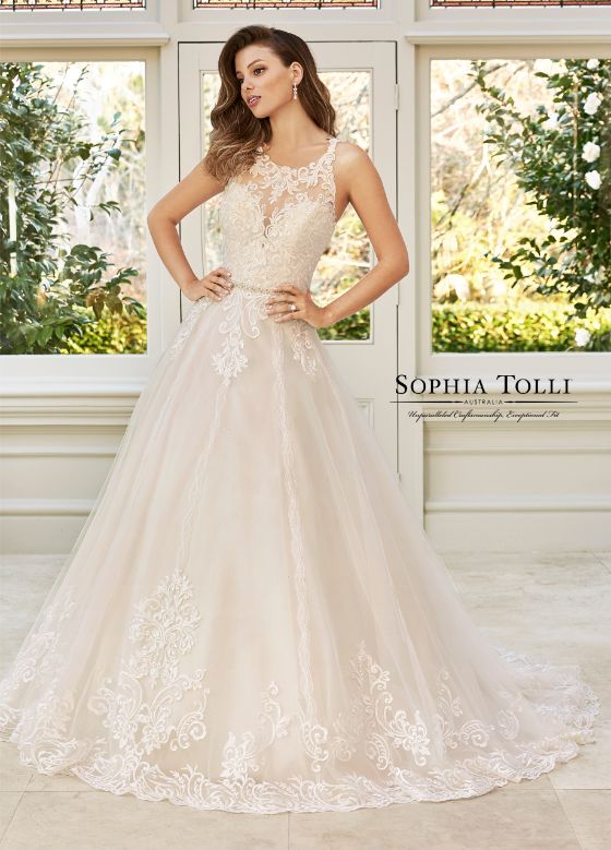 Sophia Tolli McKenna menyasszonyi ruha
